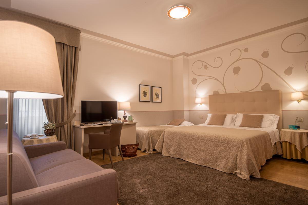 Hotel Ambasciatori, camera familiare