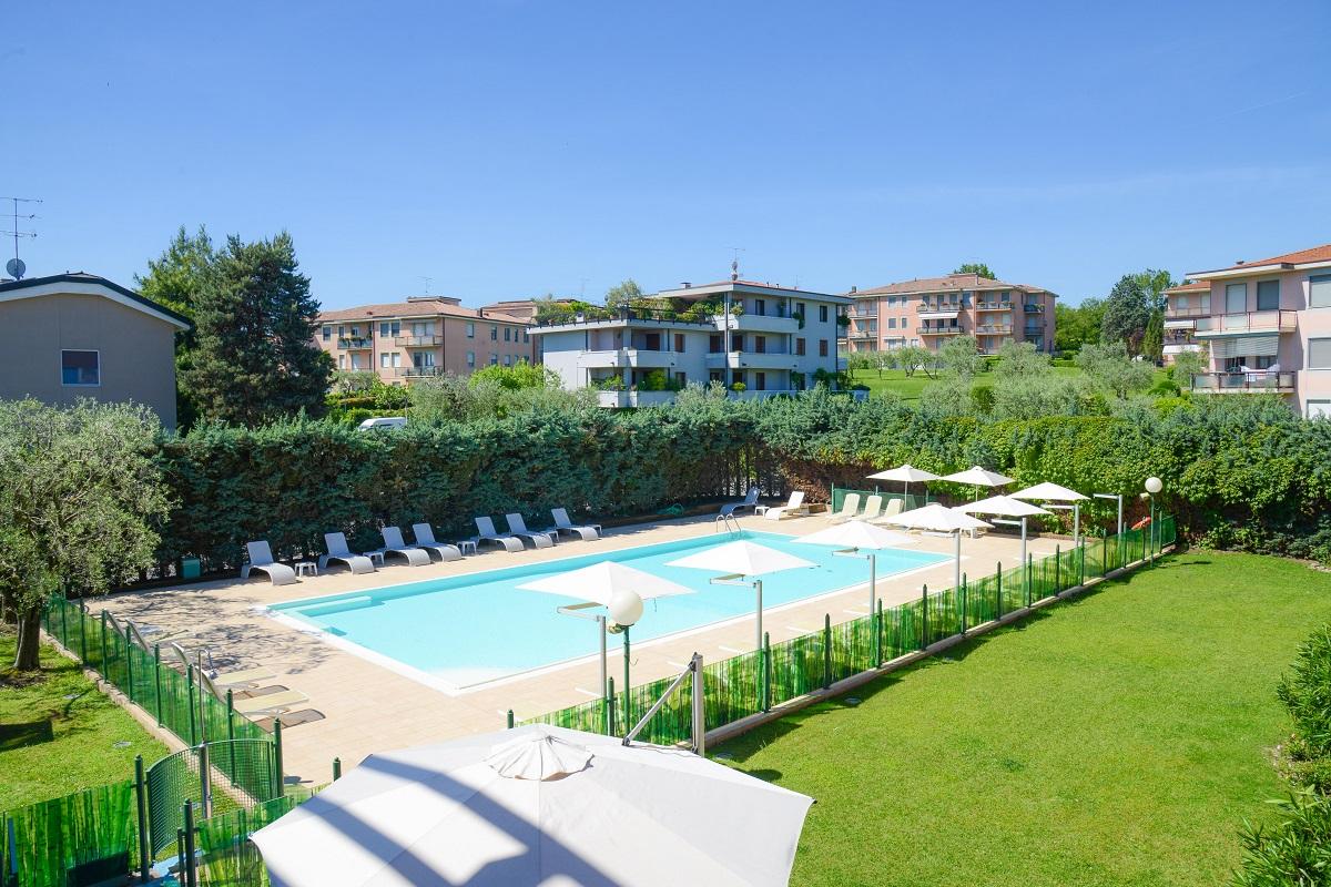 Hotel Oliveto, Desenzano, piscina