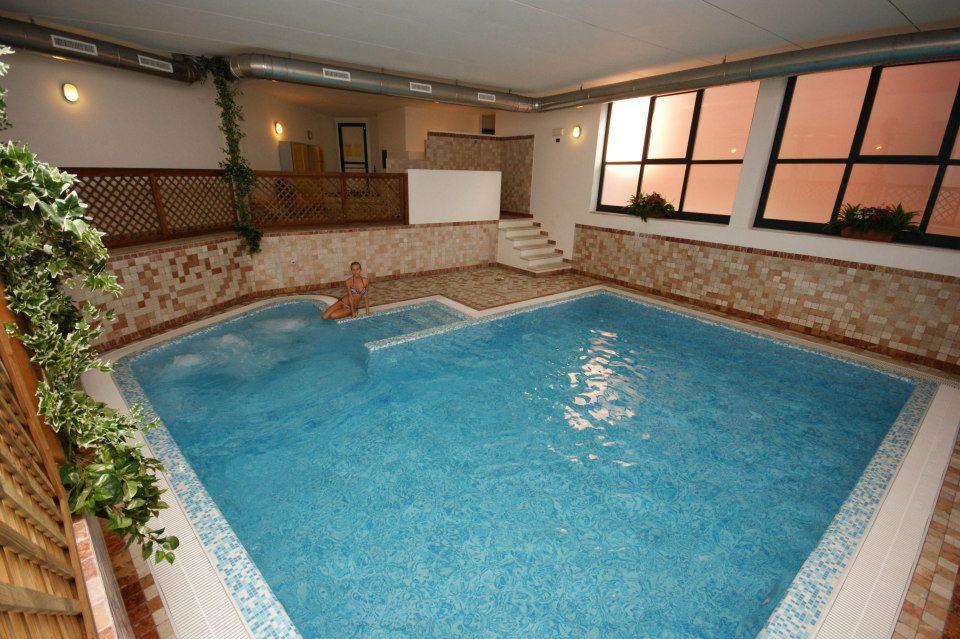 Borgo dei Limoni, piscina interna