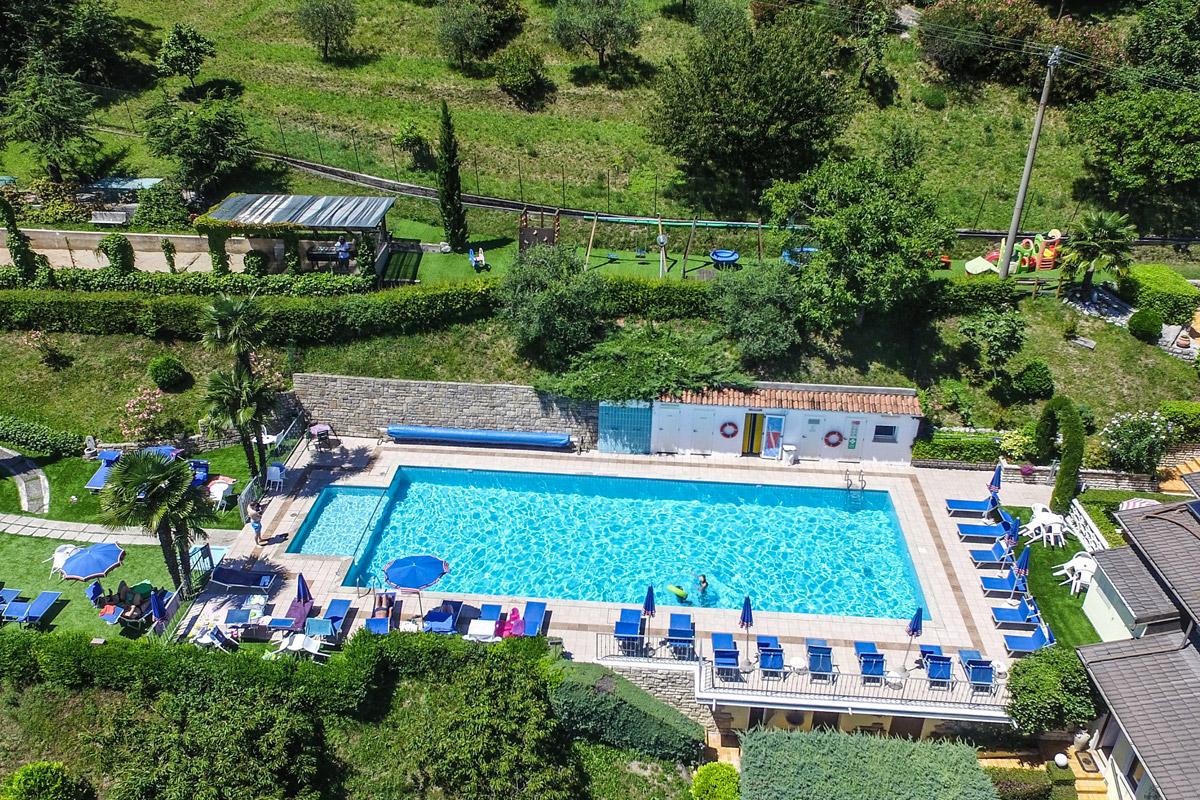 Village Hotel Lucia, piscina