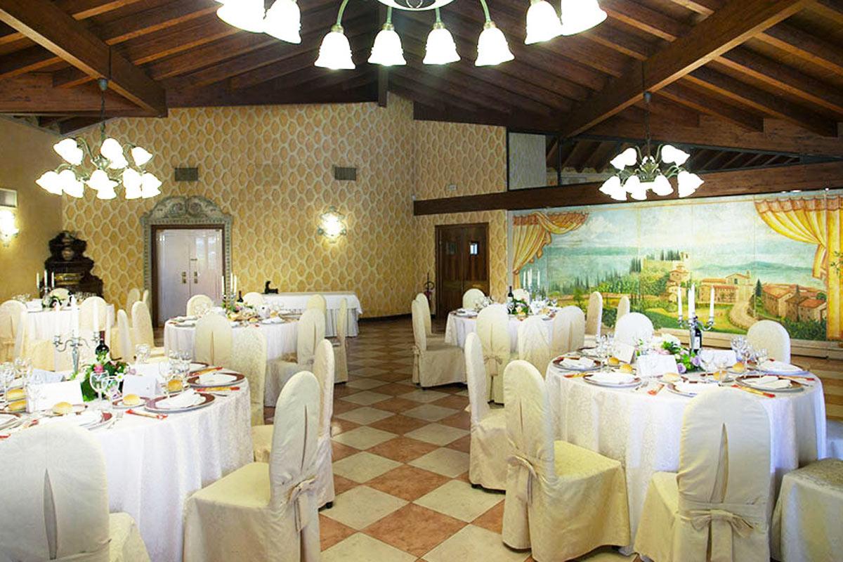 Sala da pranzo, hotel Monastero