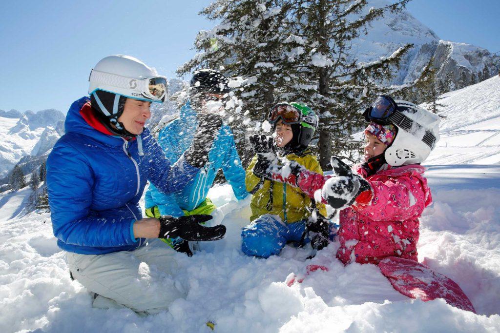 Vacanza sulla neve in famiglia a Montecampione