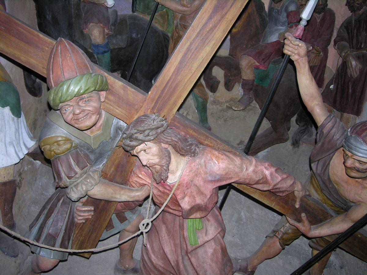 Cerveno e la Via Crucis di Beniamino Simoni