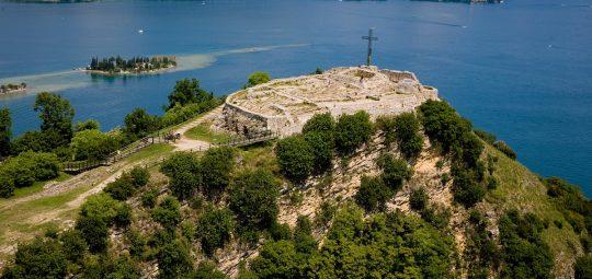 Rocca di Manerba a Manerba del Garda - lago di Garda