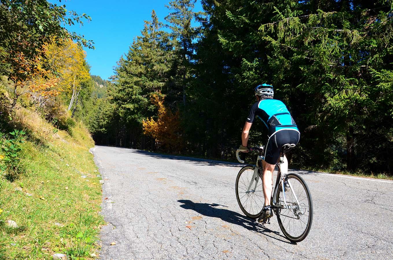 In bici passo Crocedomini
