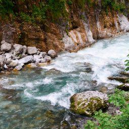 In bici in Val di Scalve tra orridi e foreste