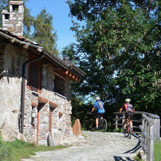 In bici in Val Canè