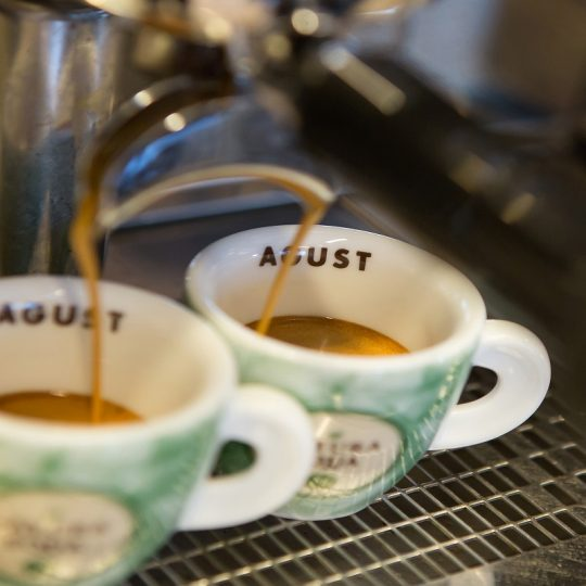 tazzine di caffè Agust