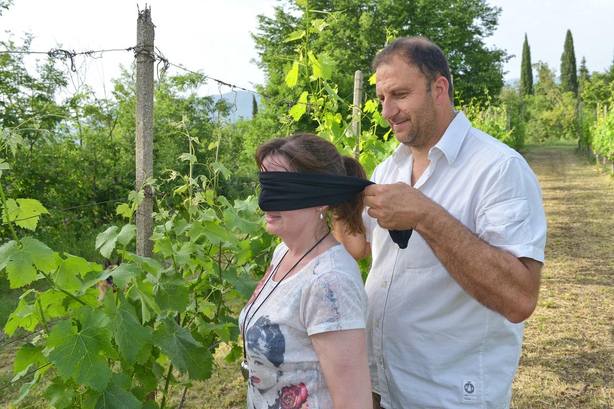 Esperienza sensoriale in vigna all'Azienda La Gaurda di Muscoline