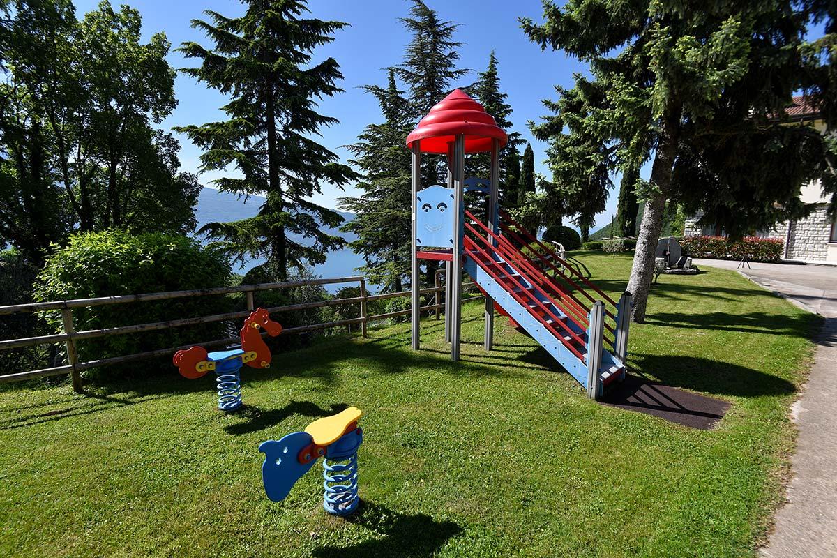 Villa San Valentino, giardino e parco giochi