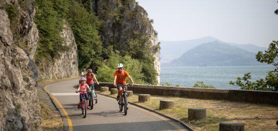 Bici sul lago d'Iseo - ciclopedonale vello toline ciclovia oglio