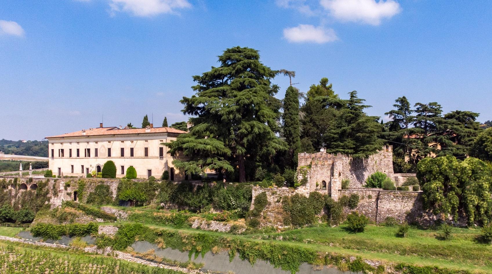 Castello di Bornato in Franciacorta