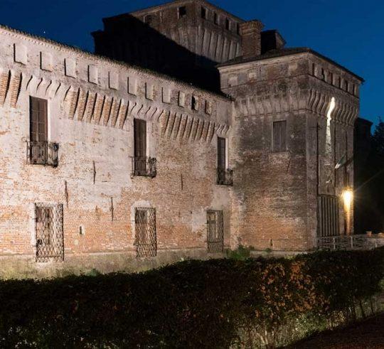 Castello di Padernello - immagine notturna