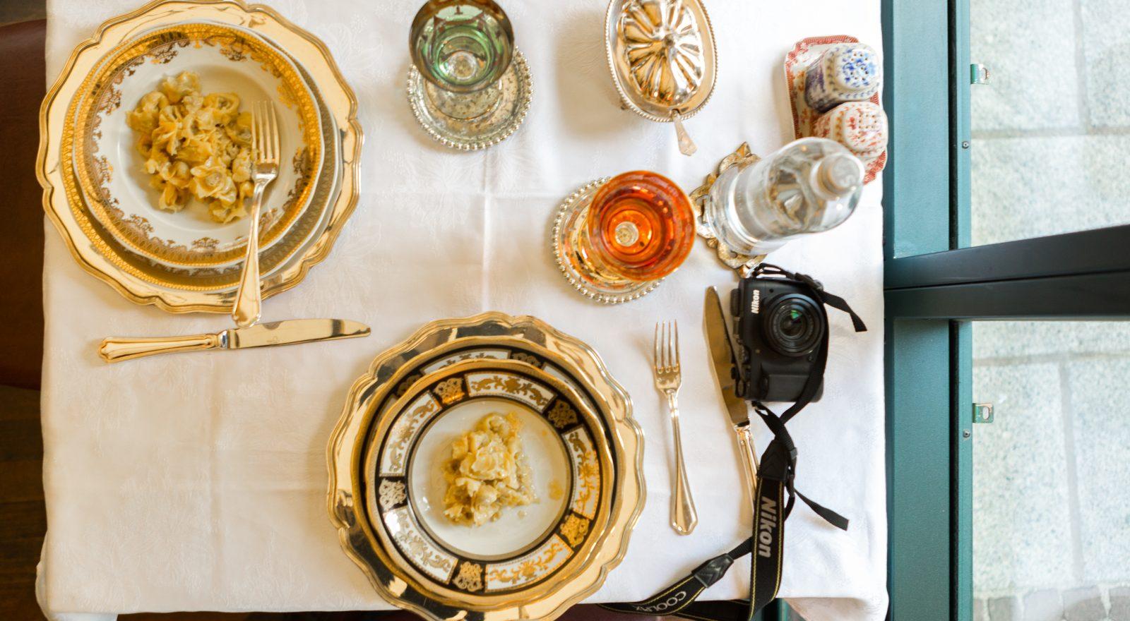 Tavola elegante ristorante - ristoranti stellati Brescia